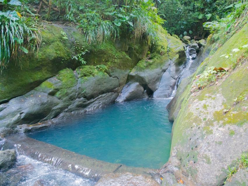 O dormir dans les arbres et se baigner dans des eaux de cascades 1id e - Dans quelle direction dormir ...